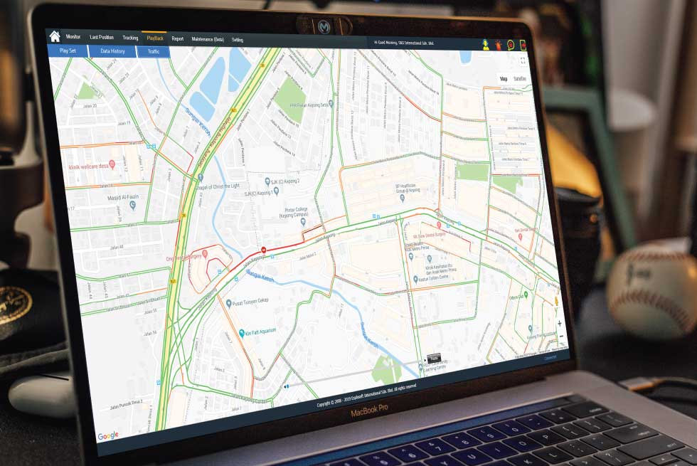 Laptop-With-GPS-Interface.jpg