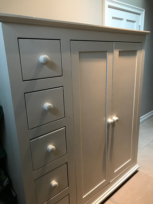 Solid wood wardrobe/cupboard