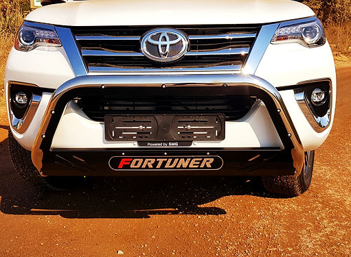 Fortuner Spartan Nudge Bar - Close Up.jp