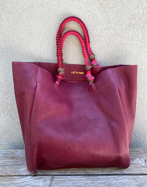 PROVENCE  red wine plain with knotted rope