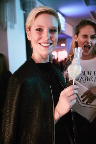 """bei der """"The One"""" Premiere im Friedrichstadt-Palast Berlin mit Manufacture de Gourmet Lolli"""