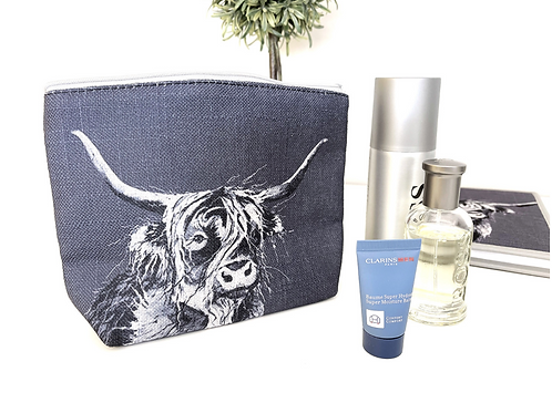 Highland Cow Pouch