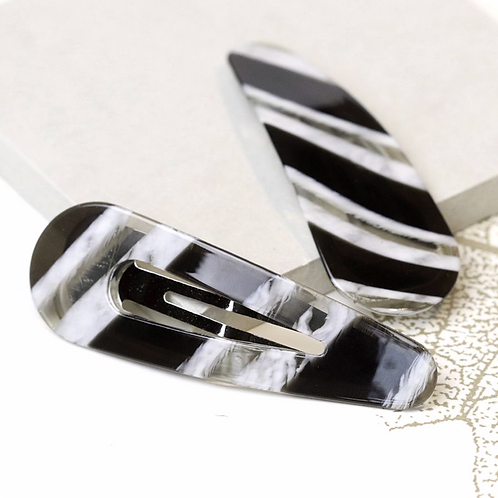 Zebra acrylic double hair clip set