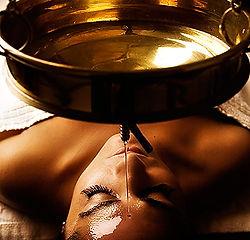 musique-rituel-soin-yoni-lune-ceremonieducacao-chaman-tambour-chamanisme-voyage-sonore-sonothérapie-ayurvéda-arthérapie-ayurvéda-féminin-sacré-masculin-sacré-stage-yoga-lithothérapie-danse-art-thérapie-ayurvédique-massage