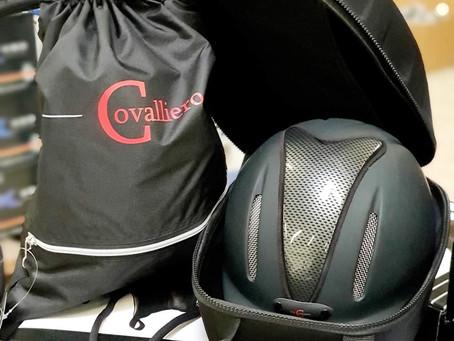 Sicher aufbewahrt: Helmtaschen von Covalliero 😊 🐴