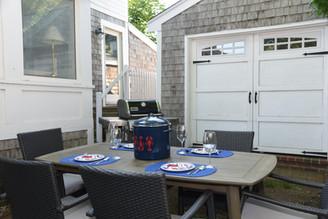 Yard - Dining Area