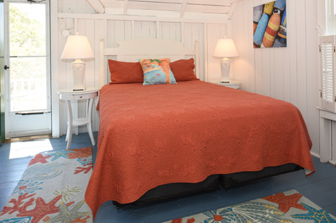 Bedroom 2 (Coral Room)
