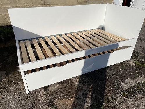 White Wooden Single Bed with Pull Out Bed