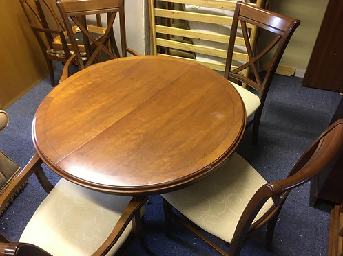 G Plan Leaf Extending Dining Table & Set of 4 Chairs