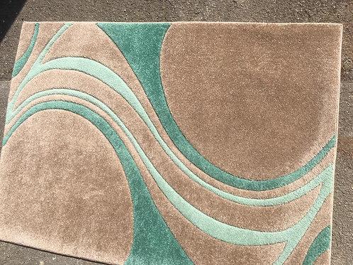 Pretty versatile decorative rug