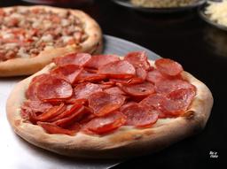 Esfiha de calabresa Pizzaria Bella Itália