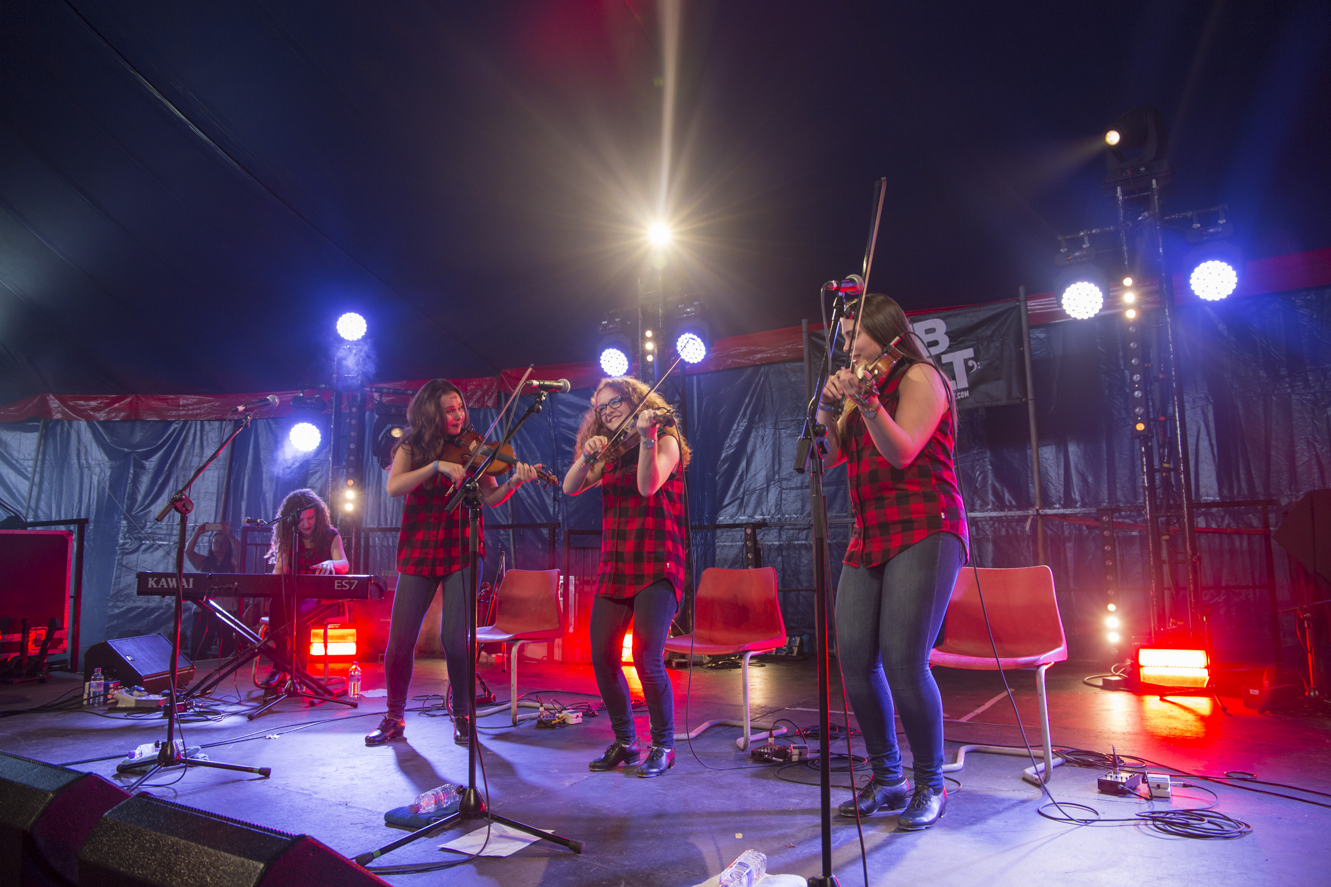 THE LUMBER JILLS - ISLAND STAGE - FRI_12