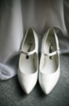 Hochzeit Schloss Colditz I Mandy Hellinger Fine Art Fotografie - getting ready / Hochzeitsvorbereitungen / Brautschuhe