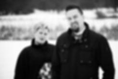 50er Jahre Hochzeit im Winter in Leipzig / Brautpaarshooting im Johannapark im Schnee