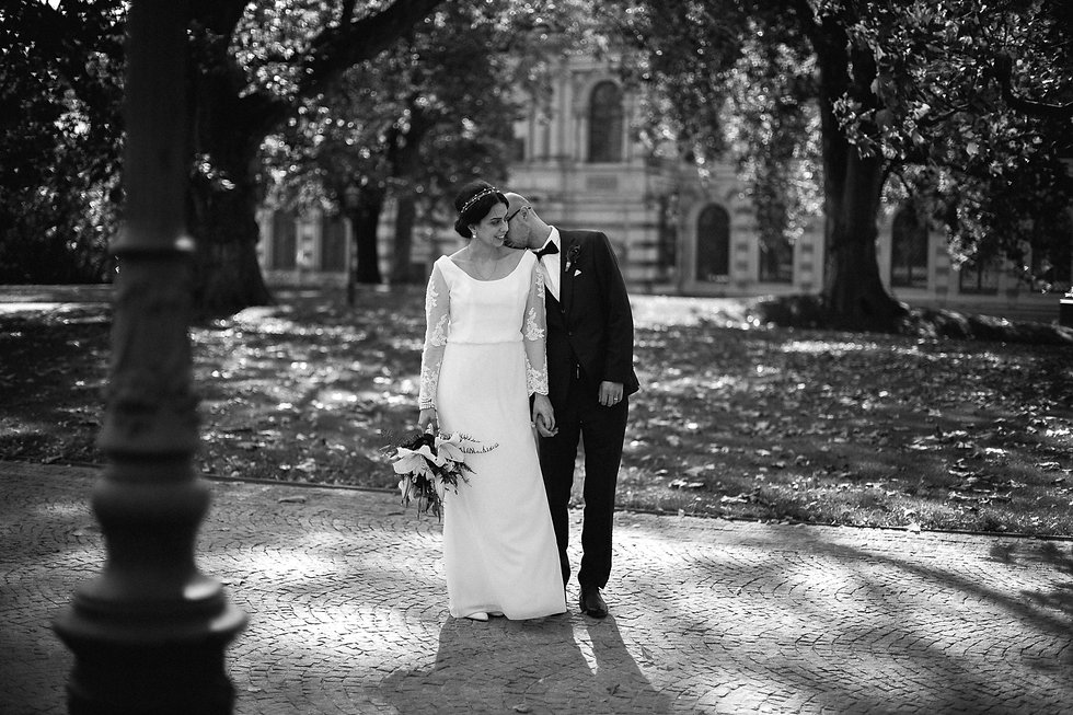 Hochzeit in Dresden - Brautpaarshooting und Portraits in der Altstadt auf den Brühlschen Terrassen - vor den Staatlichen Kunstsammlungen