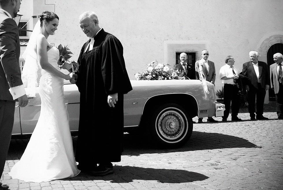 Hochzeit Schloss Colditz I Mandy Hellinger Fine Art Fotografie - Begrüßung Pfarrer