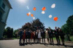 Luftballon Herzen fliegen - Hochzeit im May im Weißen Haus in Markkleeberg in Leipzig