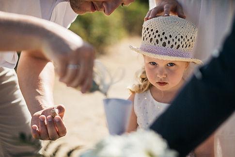os der Sandzeremonie und Hochzeit am Strand Praia da Marinha in Portugal an der Algarve
