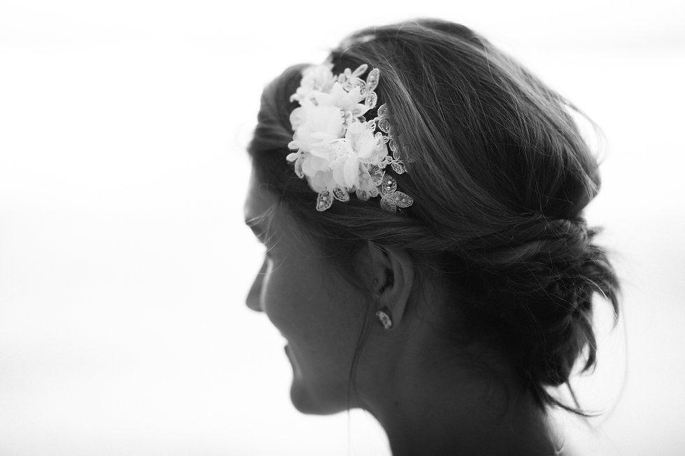 Hochzeitsfotos von der Braut am Strand Praia da Marinha in Portugal an der Algarve