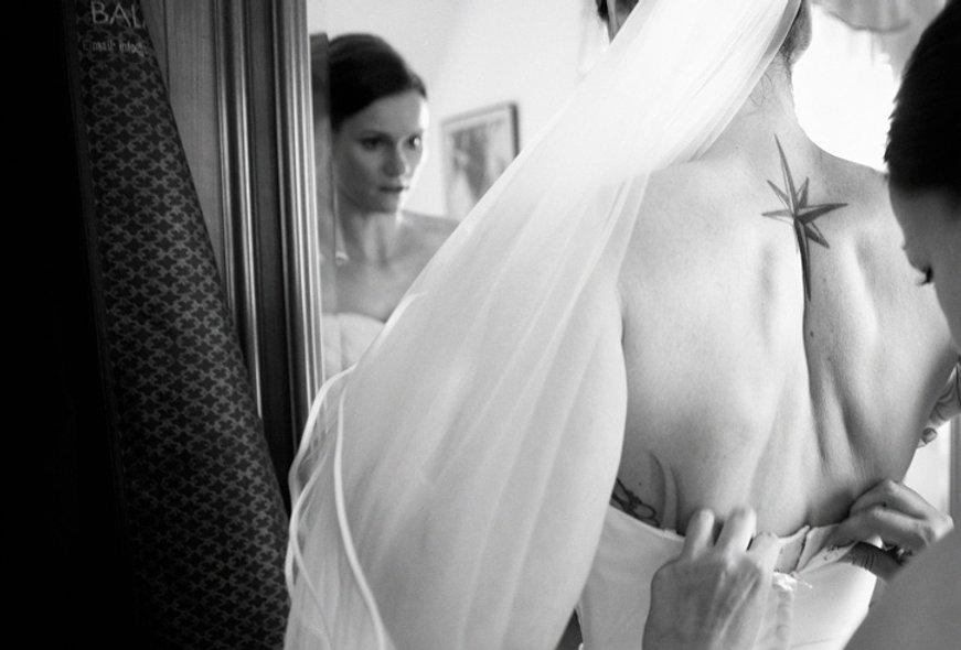 Hochzeit Schloss Colditz I Mandy Hellinger Fine Art Fotografie - getting ready Braut  / Hochzeitsvorbereitungen