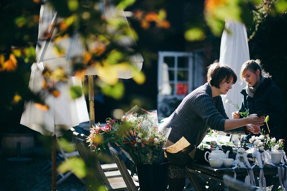 DIY Hochzeit auf Gut Wendgräben - Blumen und noch mehr Blumen - Hochzeitsvorbereitungen