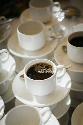 Hochzeit in Dresden am Weinberg - Kaffee am Lingnerschloss