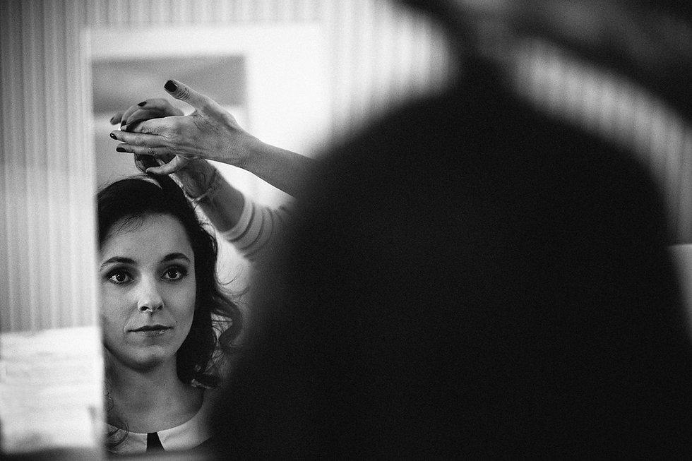 DIY Hochzeit auf Gut Wendgräben - Braut gettig ready