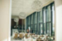 Hochzeit in Dresden am Weinberg - Tischdekoration im Restaurant Lingnerterrassen im Lingnerschloss