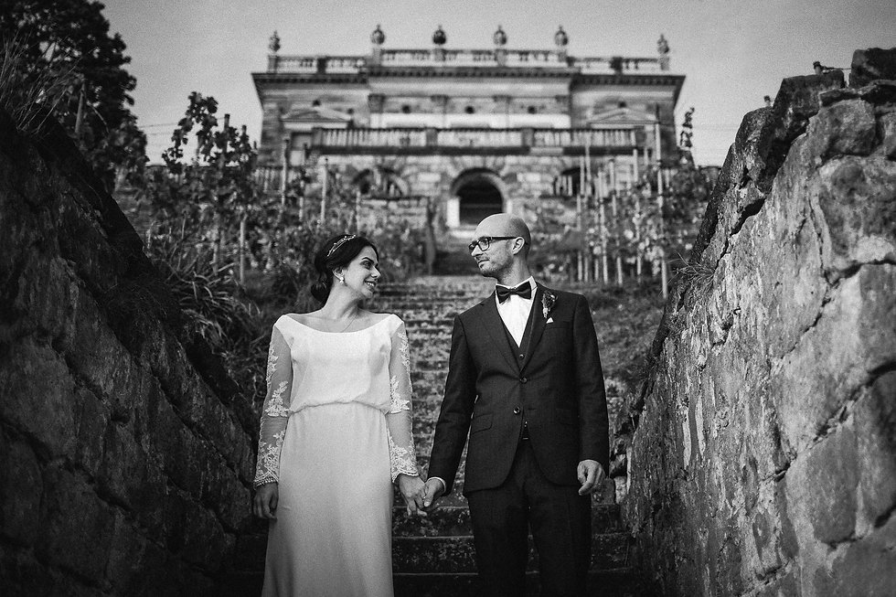 Hochzeit in Dresden am Weinberg - Brautpaarshooting am Lingnerschloss