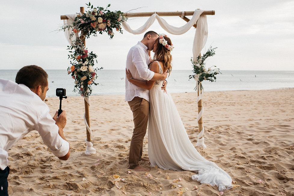 wedding_Hochzeit_Praia das Furnas_Portugal_Trauung_Strandhochzeit_Brautpaar_Brautkuss