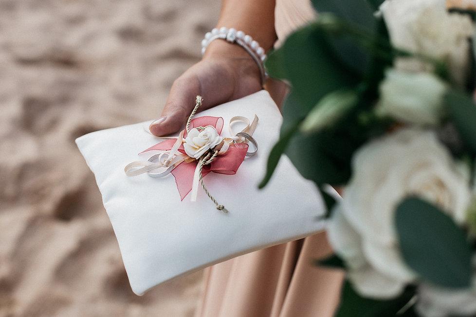 wedding_Hochzeit_Praia das Furnas_Portugal_Trauung_Strandhochzeit_Trauringe_Ringkissen