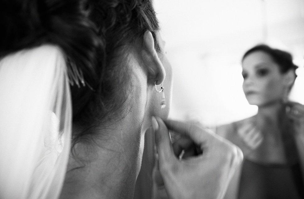 Hochzeit Schloss Colditz I Mandy Hellinger Fine Art Fotografie - getting ready / Hochzeitsschmuck Braut / Hochzeitsvorbereitungen