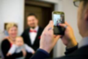 50er Jahre Hochzeit im Winter in Leipziguf Gut Wendgräben - Bräutigam - Vorbereitungen - Getting Read, Hochzeitsdekoration,  Hochzeitsfotografie