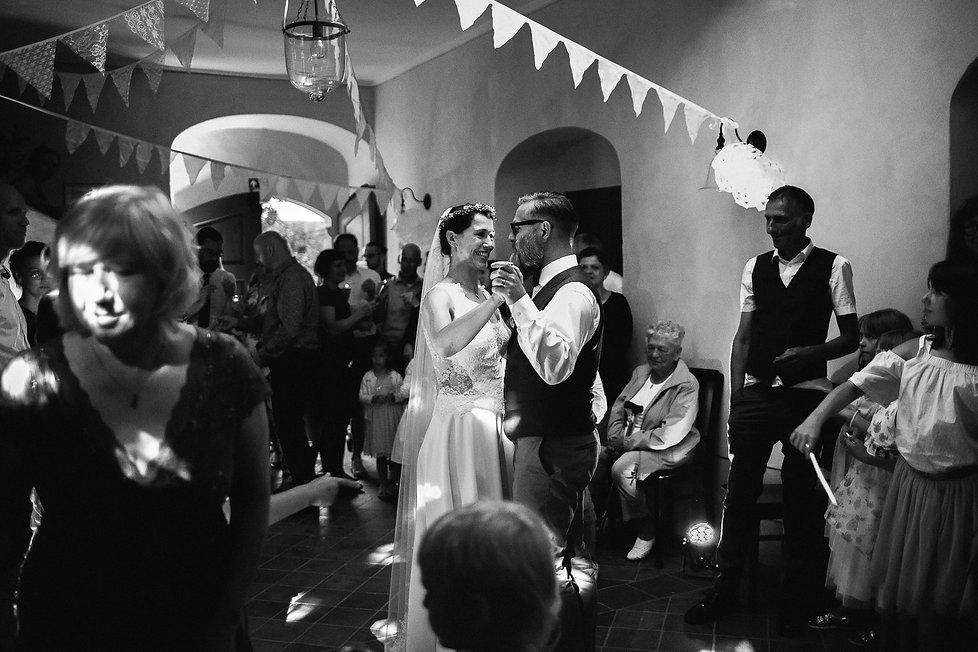 """Hochzeitsfotografie Hochzeit Denkmal - und Kulturgästehaus """"Zum Pfarrlehen"""" DIY Hochzeitsfeier Hochzeitstanz"""