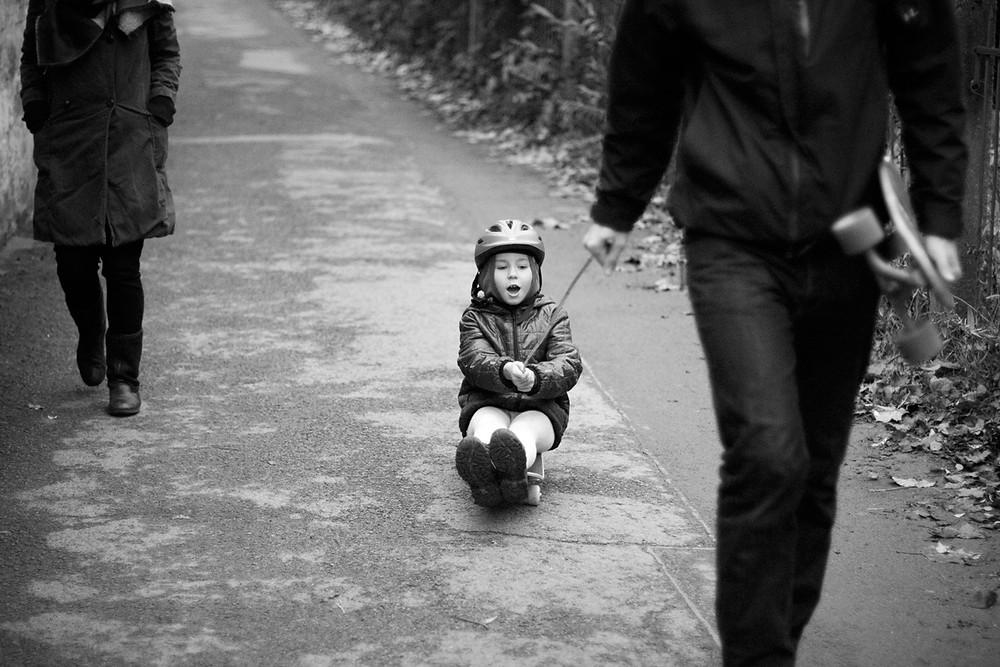 Ada & Skateboard / Familienfotografie