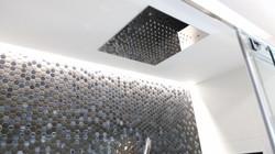 Rociador de ducha empotrado a techo