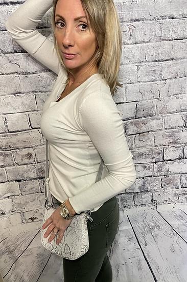 Amazing Woman Basic V Neck Top