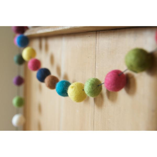 Freckle felt ball garland