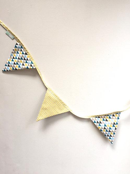 Guirlande drapeaux (straw yellow geometric pattern)