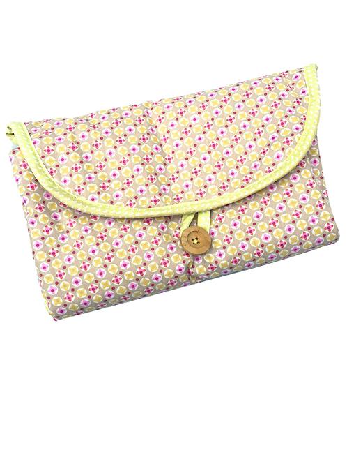 Tapis à langer (pink clovers)