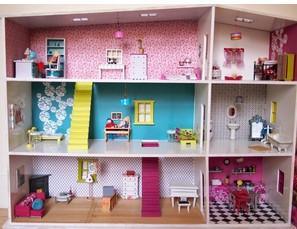handmade dollhouse by dis badeth!