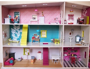 A handmade dollhouse for my girl