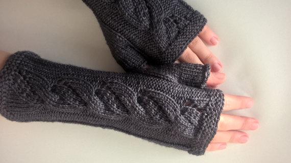 cashmere knitted wrist wa
