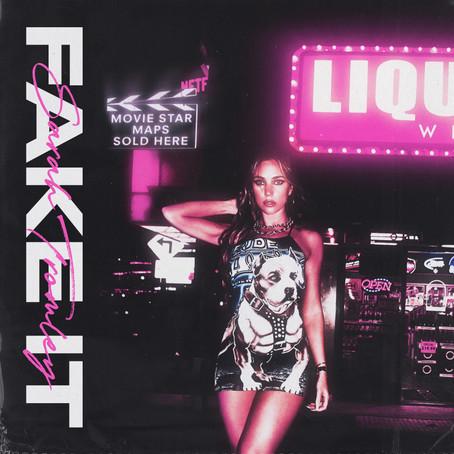 "Rising Artist Sarah Tromley Debuts Sensual Single ""Fake It"""