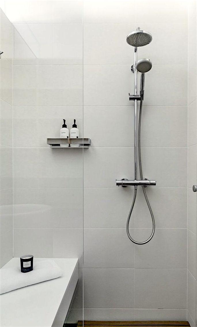 Kylpyhuone 2 yläkerta