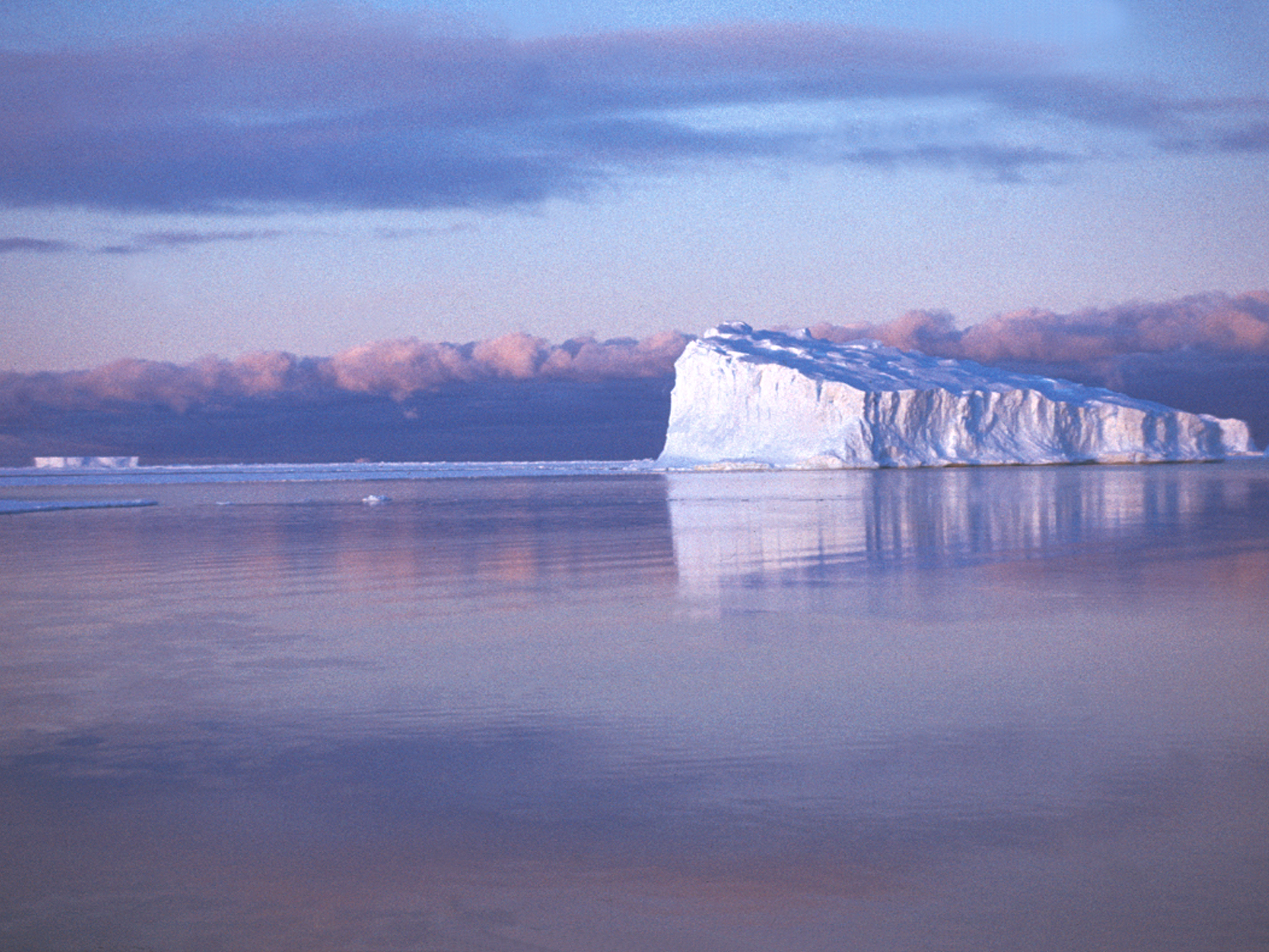Антарктида. Район ст. Мирный. 1988