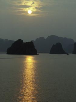 Залив Кхалонг