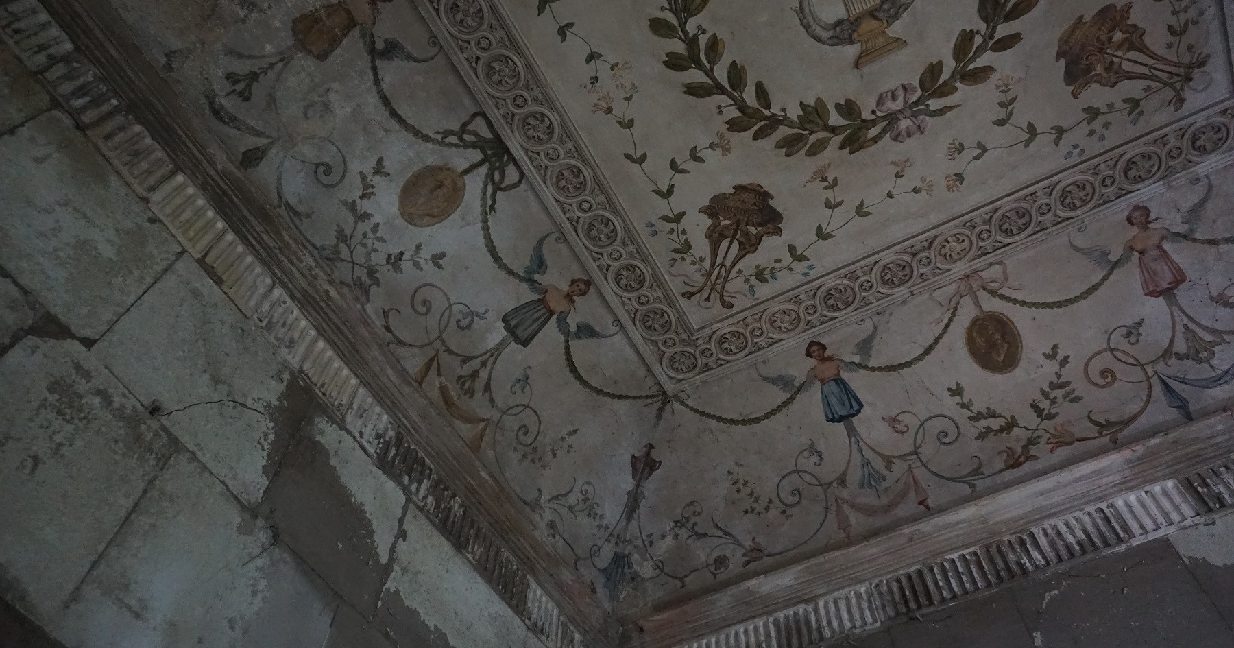 Decorative ceiling condition