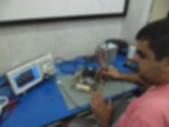 Aula prática com Osciloscópio Digital