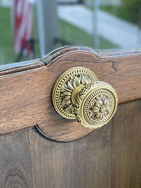 Front Entrydoor Omnia Brass Knob